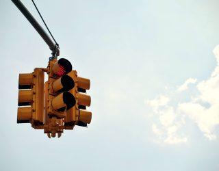 6 Verkehrsvorschriften, an die wir uns alle halten sollten