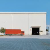 Job Tausch in der Krise: Glampsite Arbeiter wird zum LKW Fahrer
